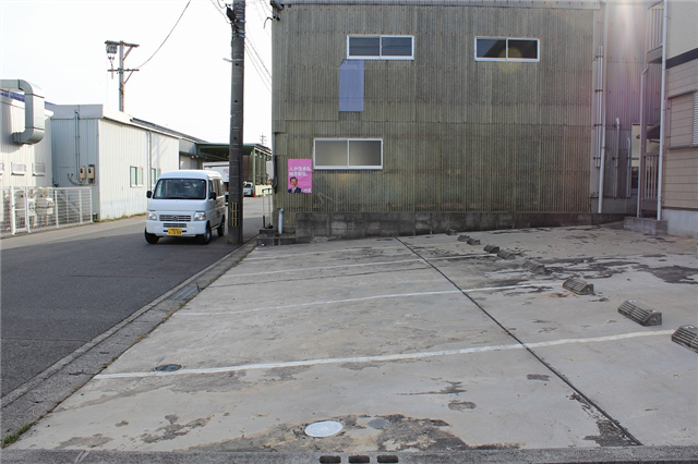 1台1台ゆったりとした駐車場♪
