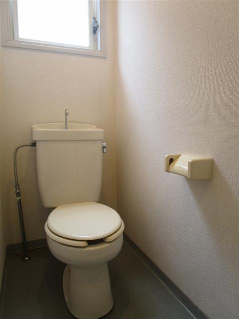 清潔感のある明るいトイレ!