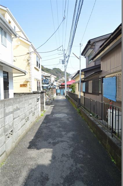 前面道路は幅員約3.20m。