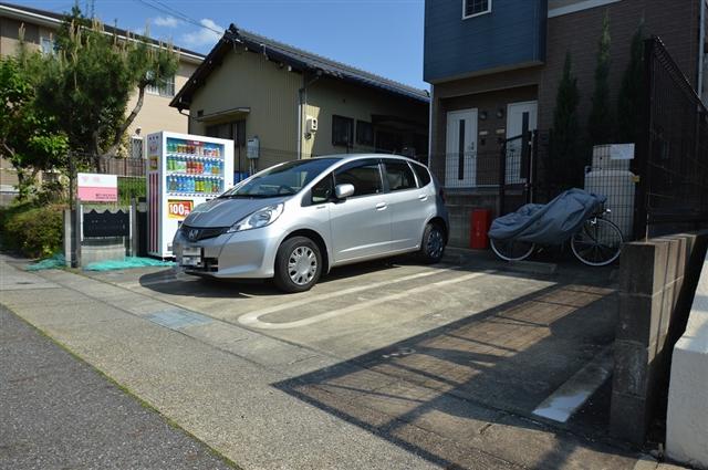 各戸に駐車スペース完備!