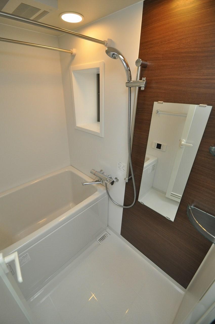 浴室は追焚き・暖房乾燥機付きで贅沢な暮らしを♪