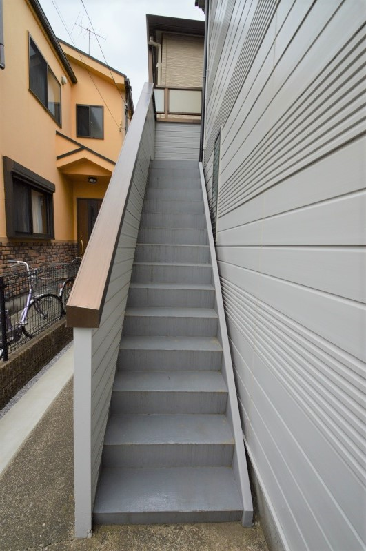 綺麗に清掃された共用階段☆