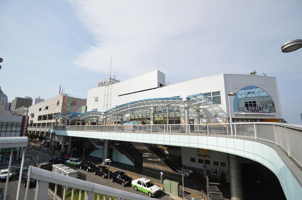 駅ビルには便利な商業施設が多数!