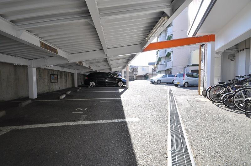 屋根付き駐車場有◎