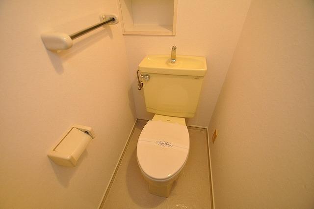 シンプルで使い勝手の良いトイレ♪