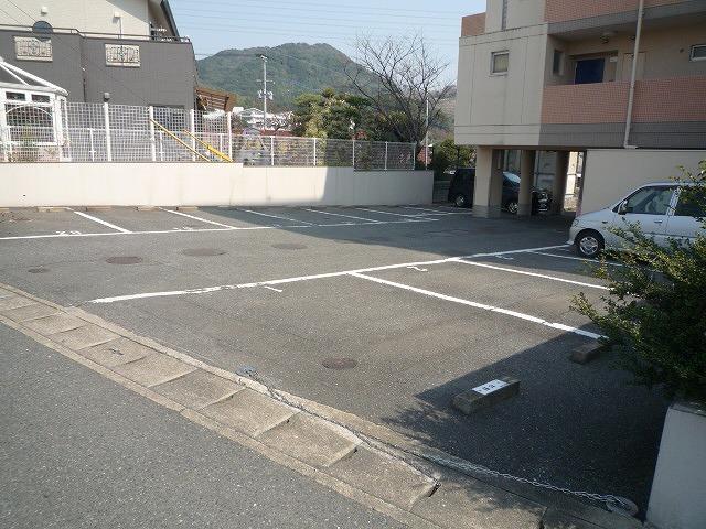敷地内専用駐車場有!