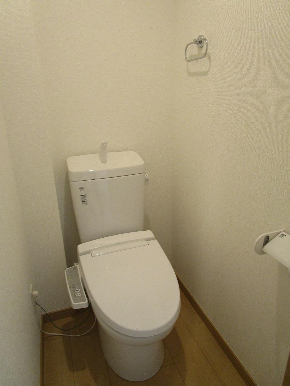 白を基調とした綺麗なトイレ☆