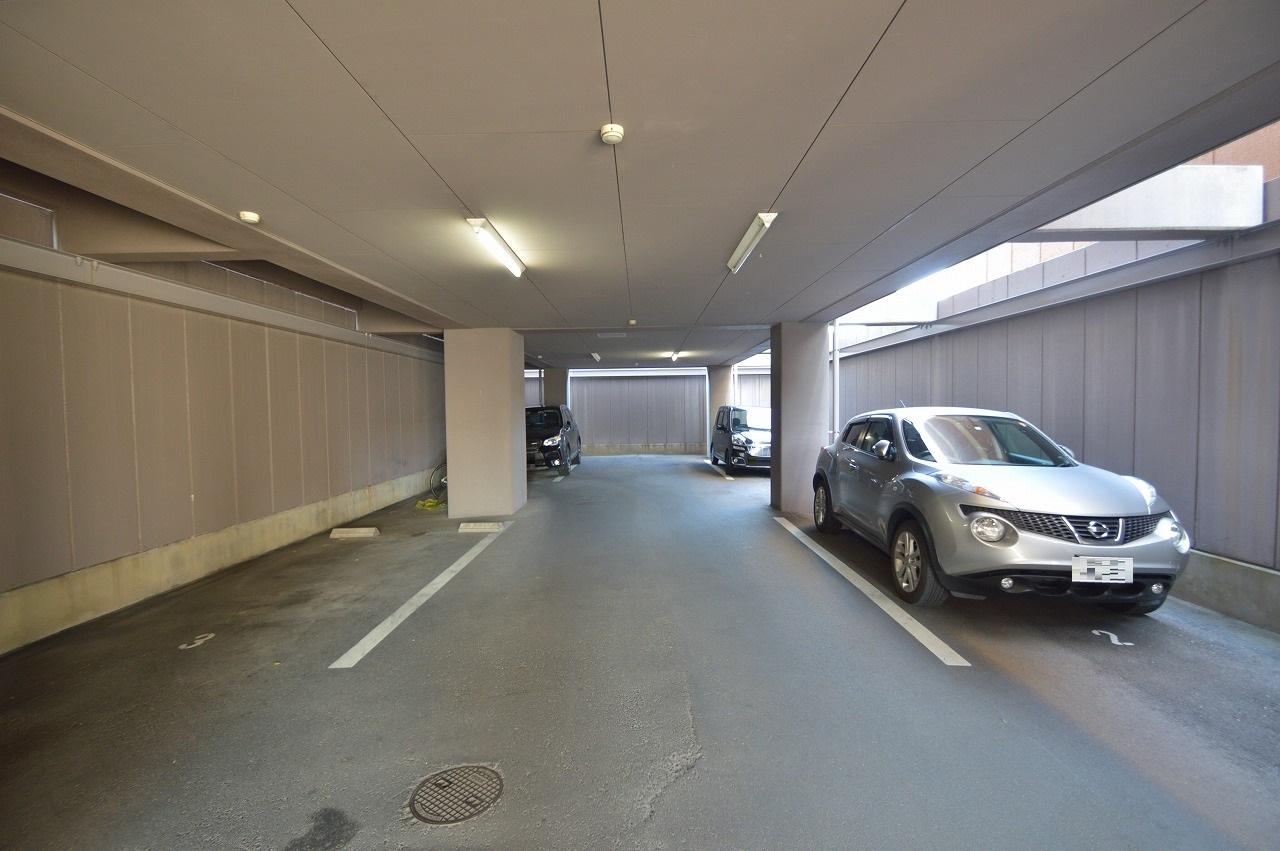 雨の日でも安心の屋根付き駐車場あり♪