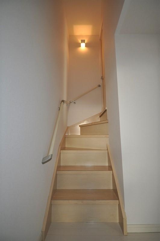 手すり付き室内階段♪