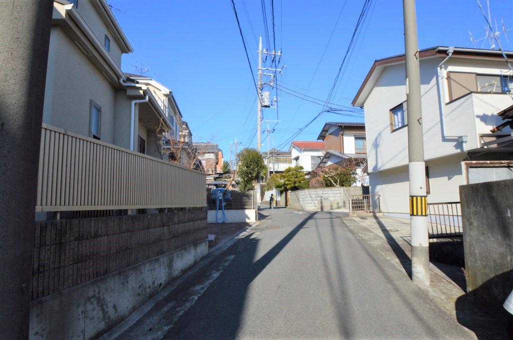 前面道路は幅員約4.00m/間口約2.04m