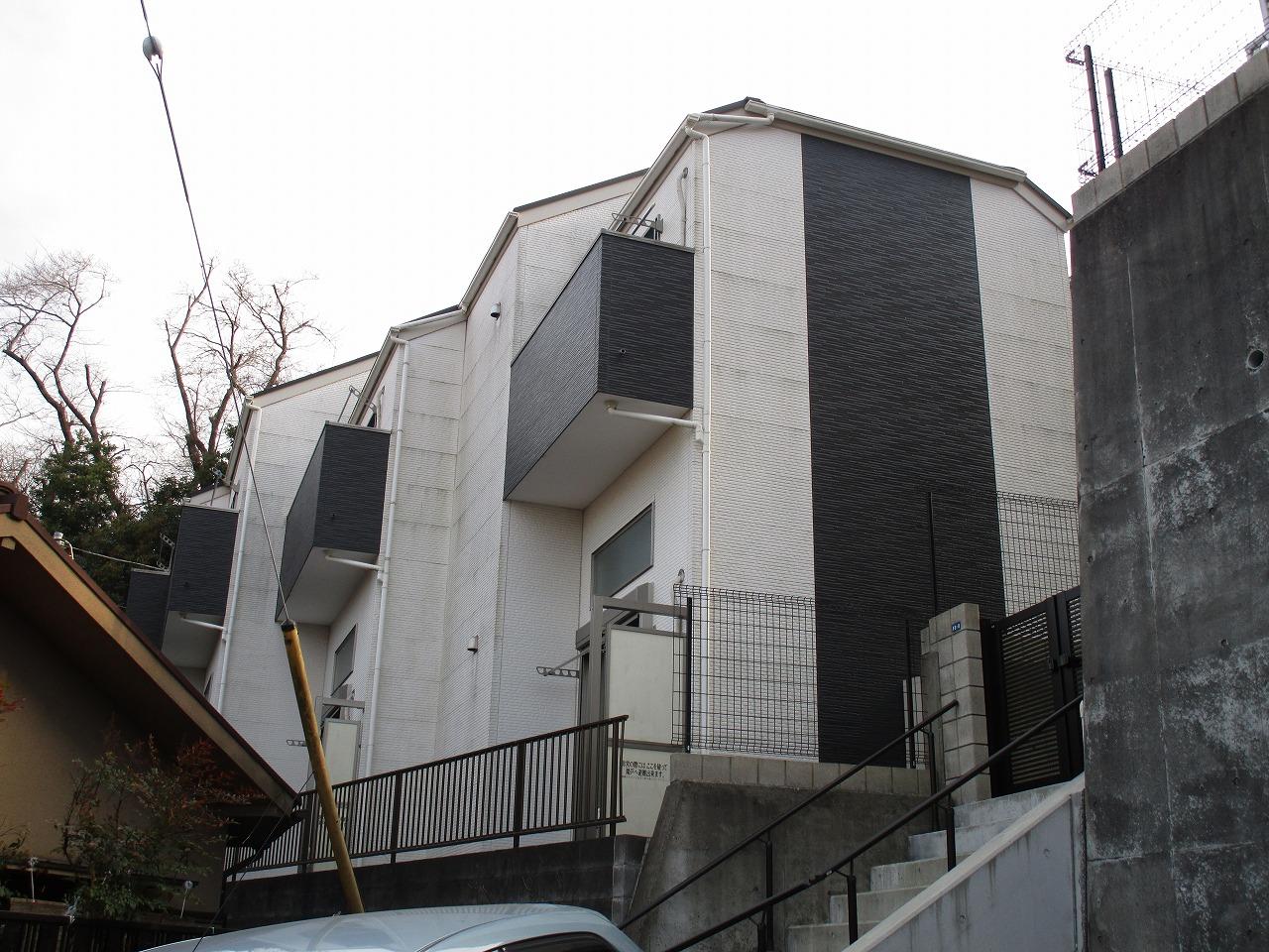 モノクローム・トーン調のシンプルな外壁!
