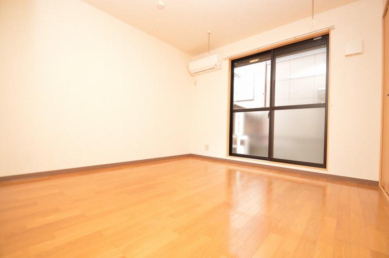 家具の配置がしやすい居室!