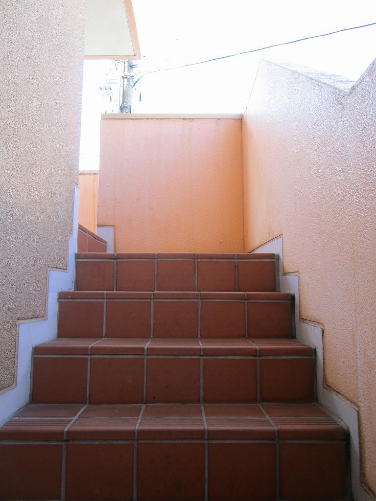 広さにゆとりのある踊り場付き階段☆