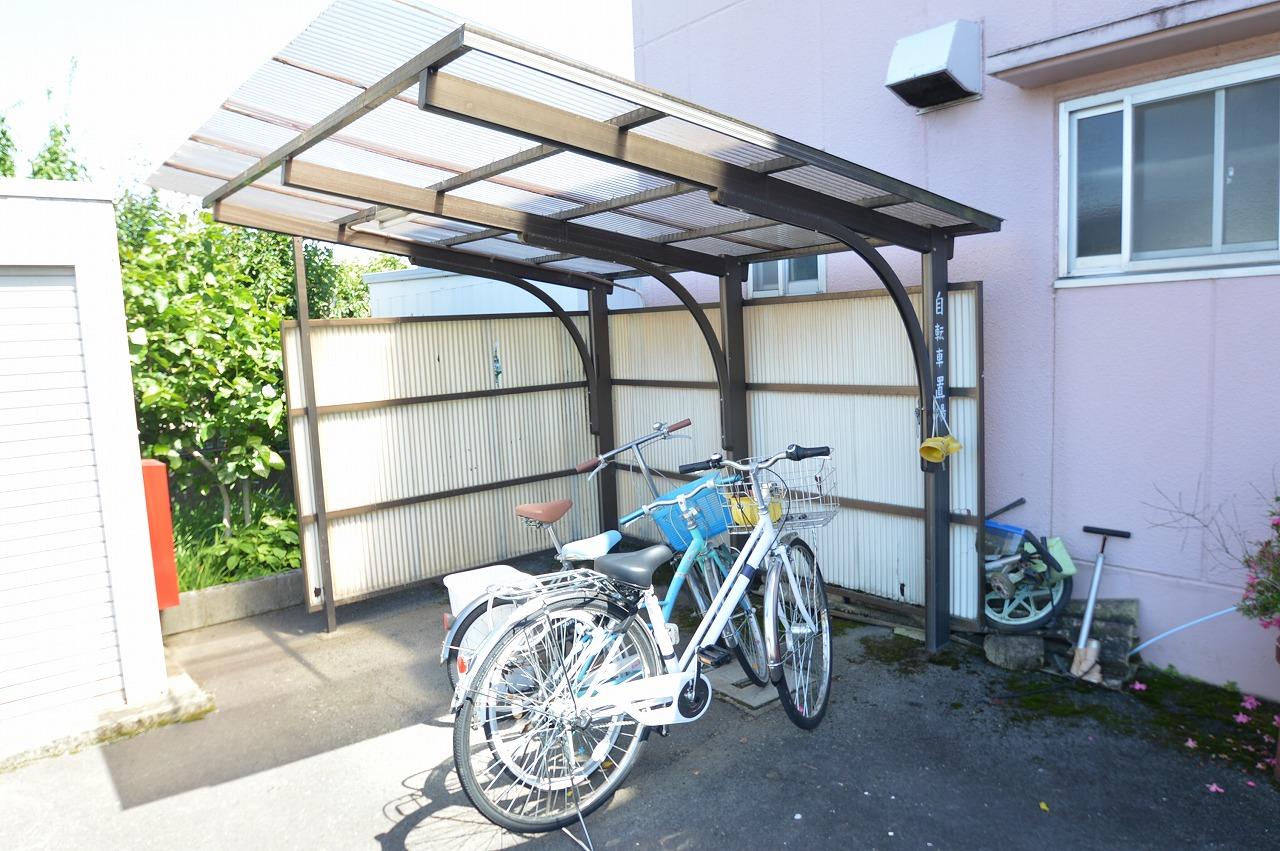 入居者に嬉しい屋根付きの駐輪場!