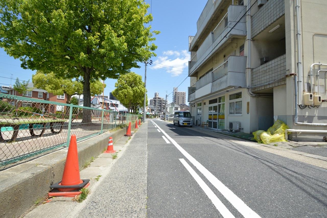 車通りも少なく安心な前面道路♪