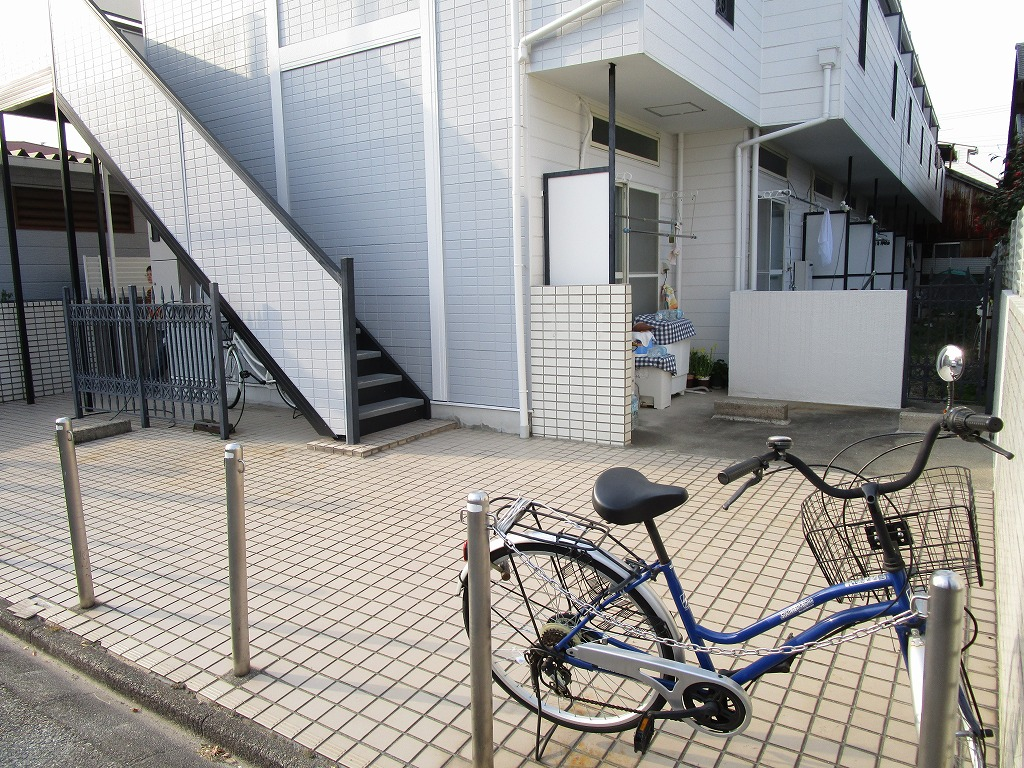 広々としたエントランス!簡易的な工事で駐車場として利用可☆