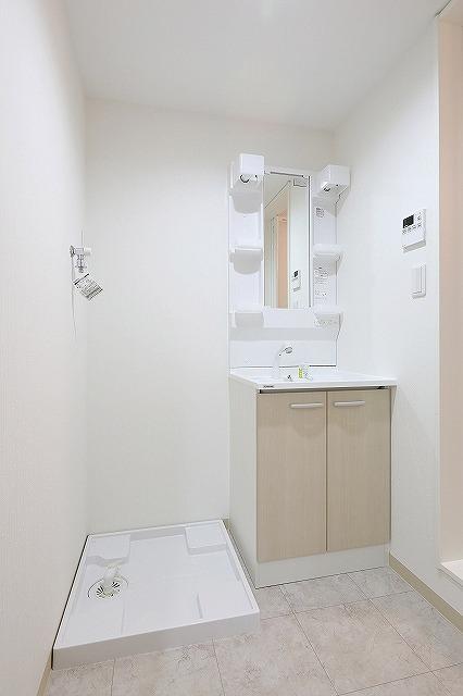 収納性の高い洗面台設置♪