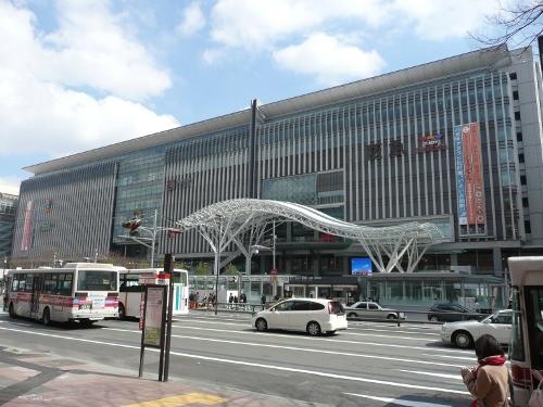 博多駅まで徒歩8分!