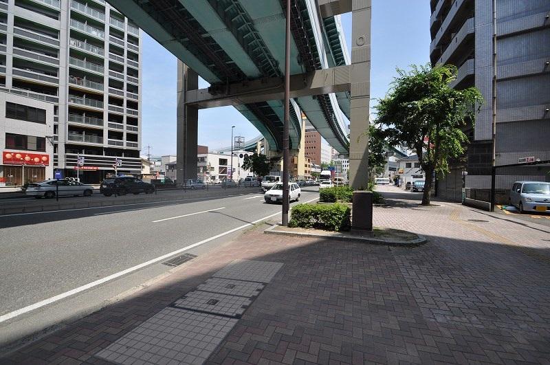 前面道路:幅員約41.38m~42.13m・接道約19.29m