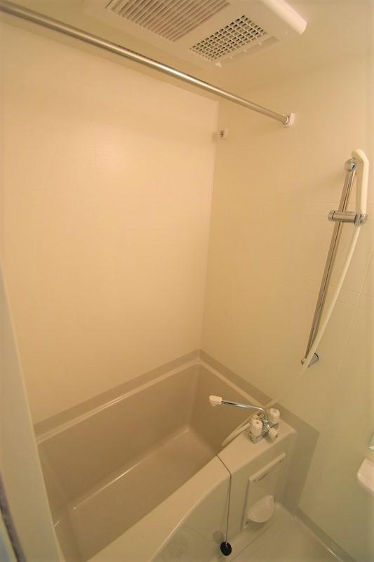 雨の日も嬉しい浴室乾燥機付き♪
